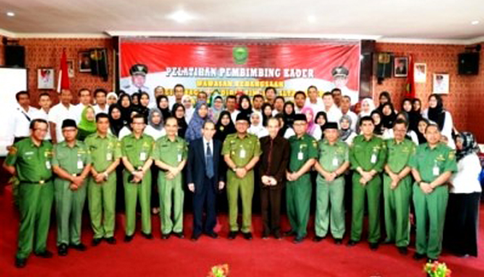 Walikota Tanjungpinang Lis Darmansyah poto bersama