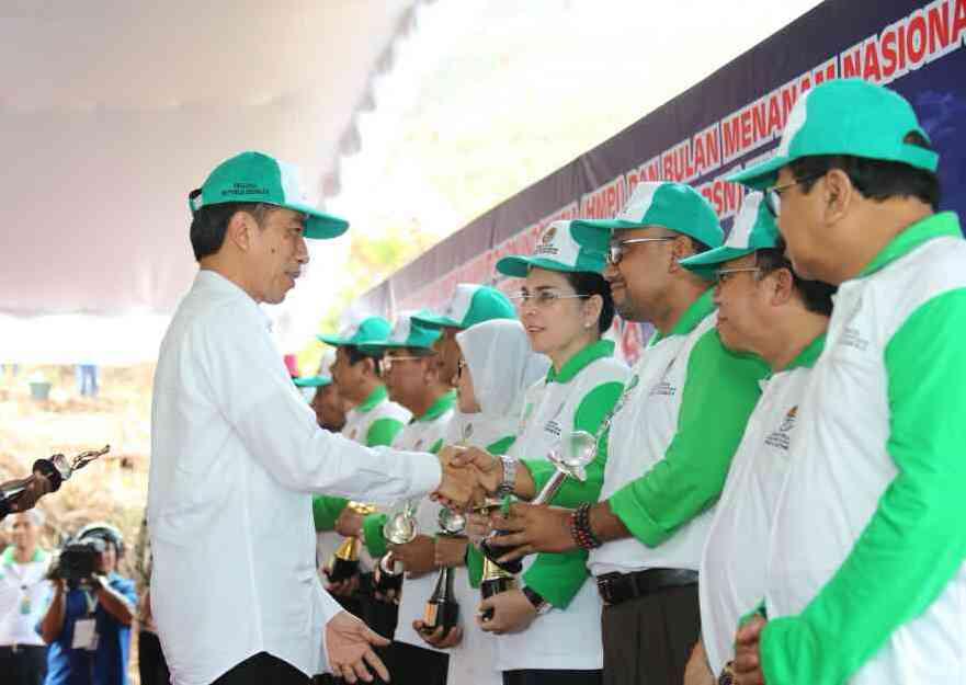 Presiden Jokowi Beri Penghargaan pada Pemko Tanjungpinang